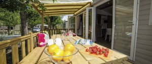 cottage-mobil-home-avec-terrasse-camping-sandaya-les-vagues